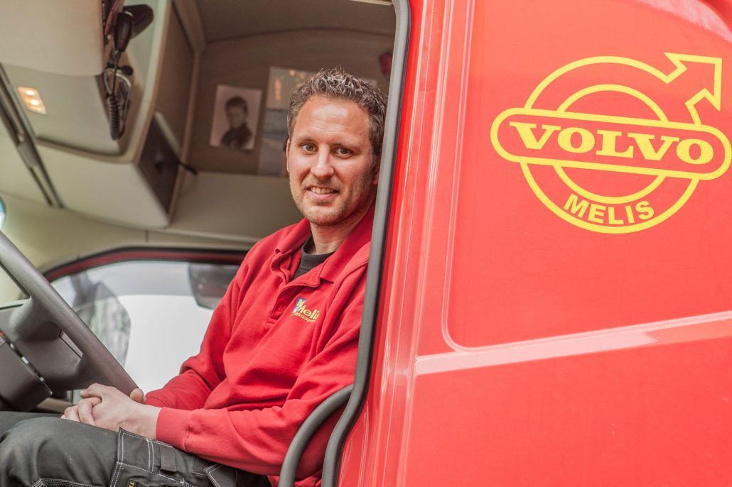 chauffeur Martijn Willemsen (33), transp. Melis te Duiven.