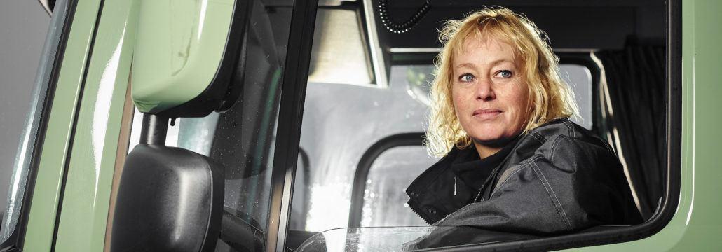 Chauffeur Lucienne Mulder van Oegemastransport