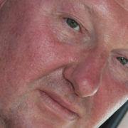 Chauffeur Jacques Vos (52) uit Waalwijk rijdt bij Peter Appel.
