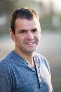 Dick Stoffelsen, 49, woont in Scherpenzeel, hoofd planning, 30 jaar 'officieel' bij Van Heugten Transport (komt er al 36 jaar)